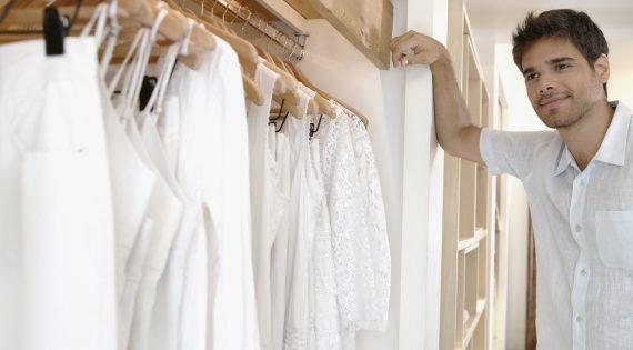 ¿Cómo lavar prendas blancas y que queden relucientes?